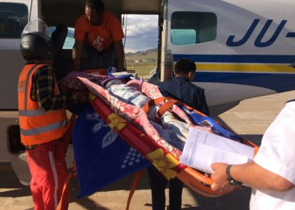 Evacuation Médicale D'un Jeune Cavalier Mongol