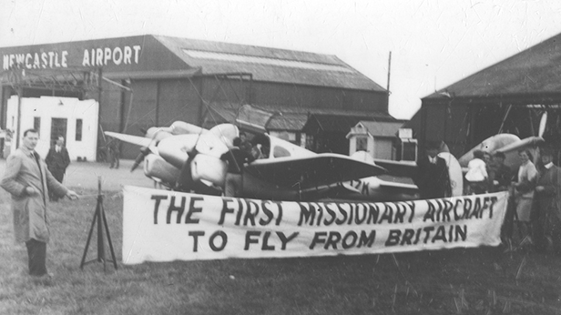 39827 Historical: UK Tour MAF's Gemini, The 'Mildmay Pathfinder'