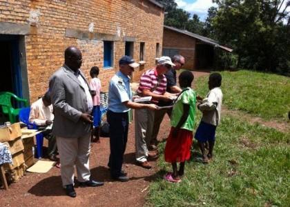 La Bible Offerte Au Congo