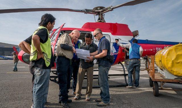 Deux Hélicoptères Affrêtés Après Le Tremblement De Terre Au Nepal