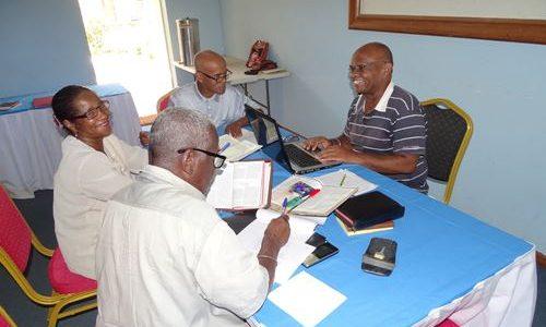 Faciliter Le Travail Des Traducteurs De La Bible à Madagascar